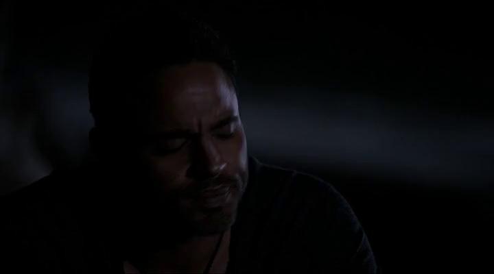 Грейсленд (1 Сезон) - 7 Серия